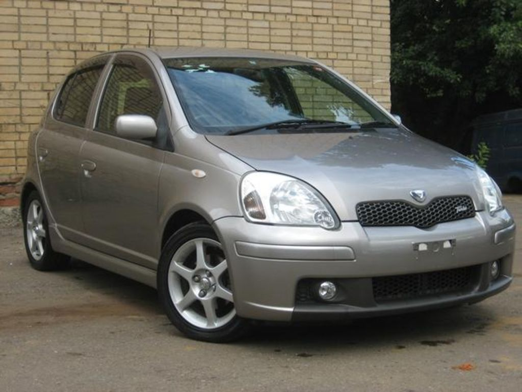 REVIEWS BY IAN PAUL: 2003 Toyota Vitz 1