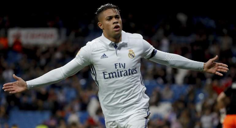 Real Madrid Resign Mariano from Monaco 2