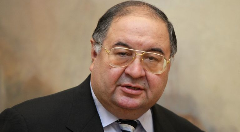 Alisher Usmanov from Arsenal to Everton 1