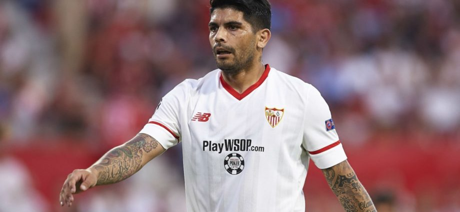 Arsenal Want to Sign Ever Banega from Sevilla 1