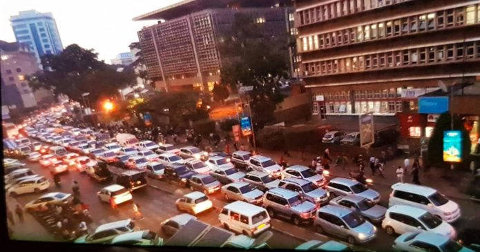 How to Survive this Rainy Season's Evening Traffic Jam | Newslibre.com