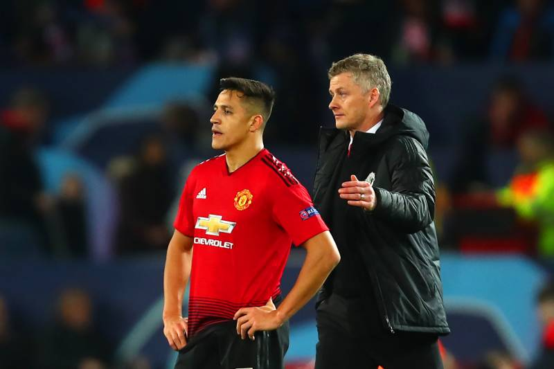 With Martial Injured, Alexis Sanchez is set to Stay at United 3