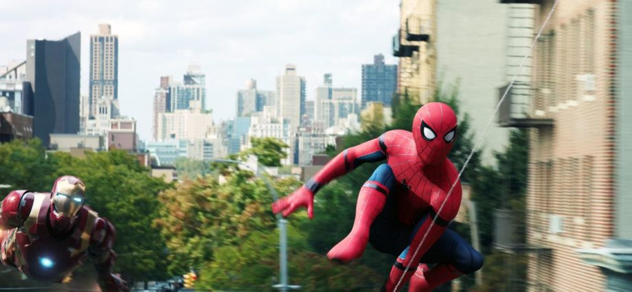 Thanos Snaps Finger on Spiderman Marvel Relationship 1
