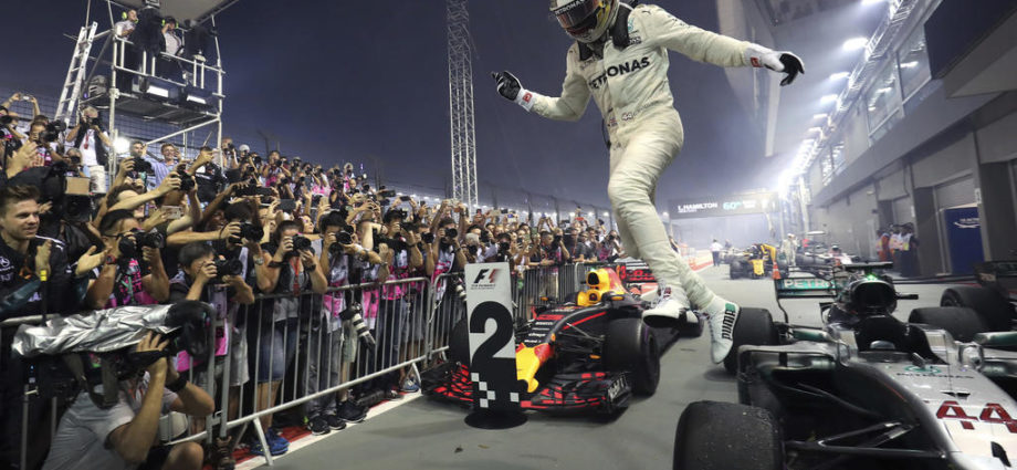 Singapore Grand Prix as Reviewed by Emmron 1