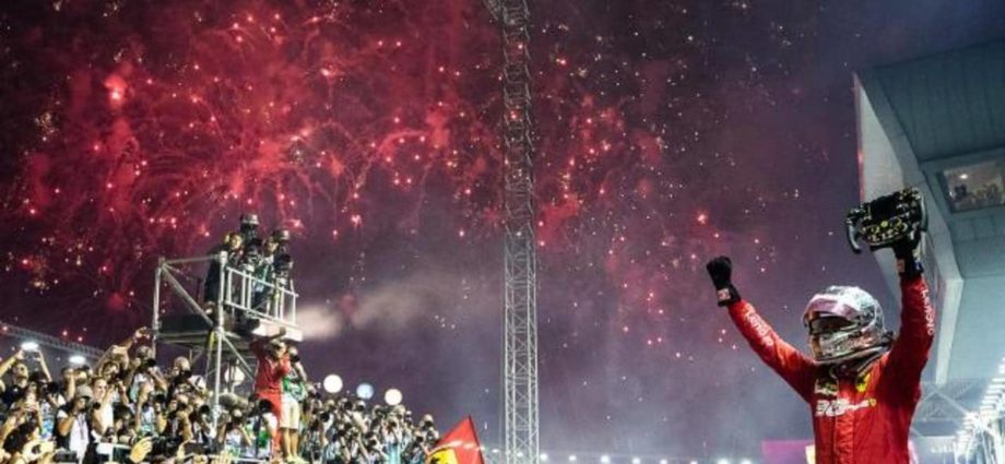 It was All Fireworks for Sebastian Vettel in Singapore GP 1