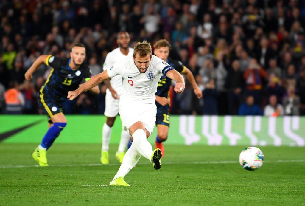 Sensational Sterling Helps England Beat Kosovo 3