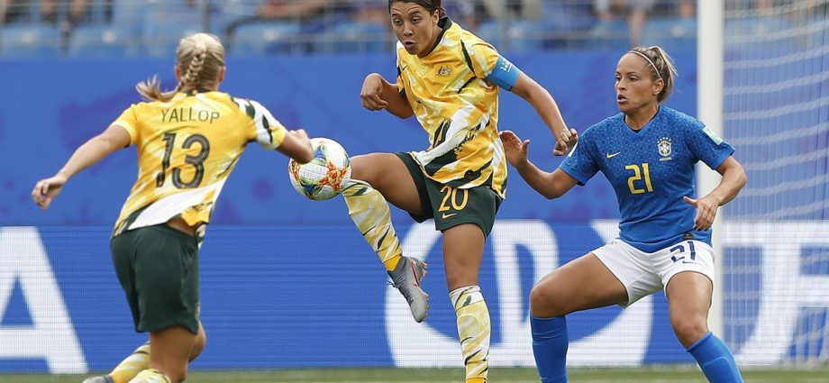 Australia to Pay Women and Men Footballers Same Amount Earnings 1