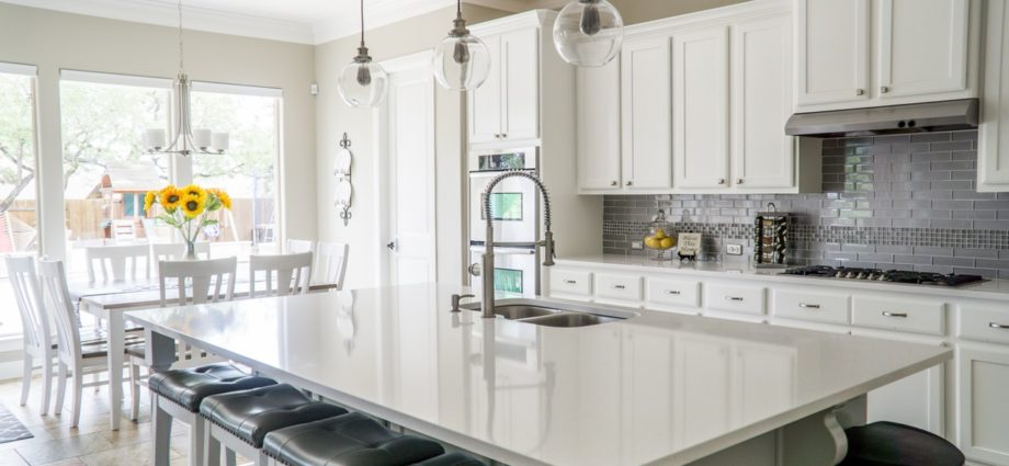 8 Beautiful Ways You Didn't Know You Could Use Glass in Your Interior - Newslibre