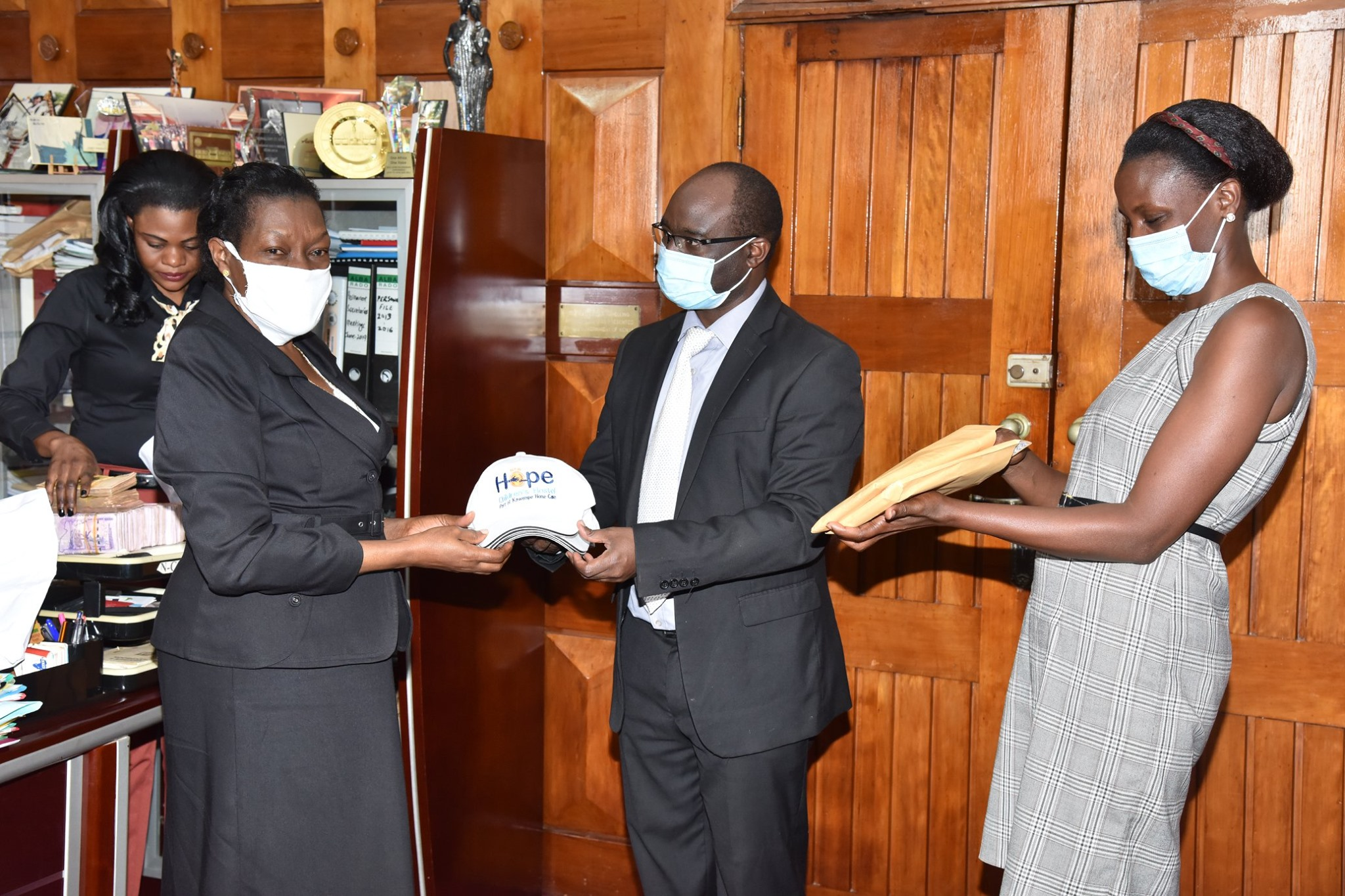 Uganda Parliament Donates SHS 31 Million to Kawempe Home Care - Newslibre