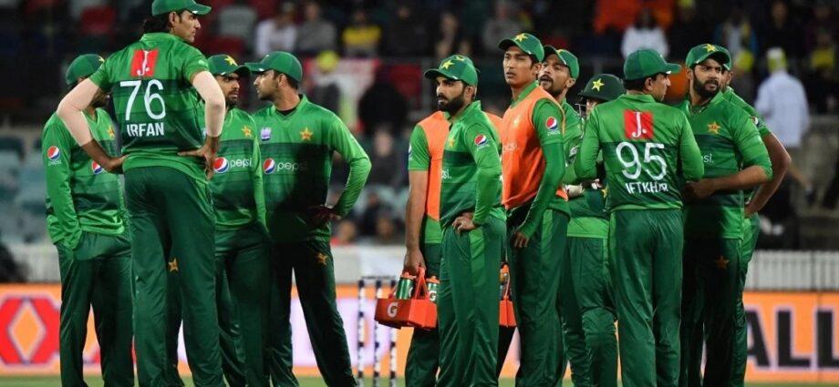Entire Pakistan Cricket Squad Quarantined After Positive Coronavirus Tests - Newslibre