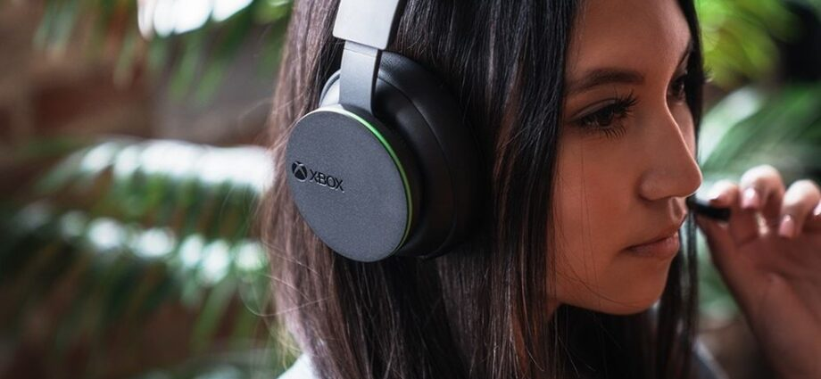 Microsoft Promises Immersive Gaming Experience with Its New Xbox Wireless Headset - Newslibre