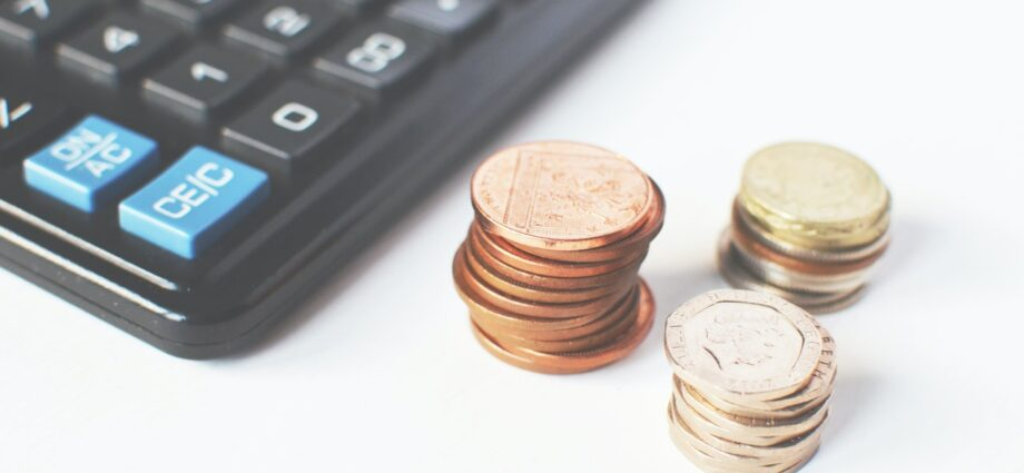 How to Manage Your Personal Finances with A Budget Using the 50/30/20 Rule - Newslibre