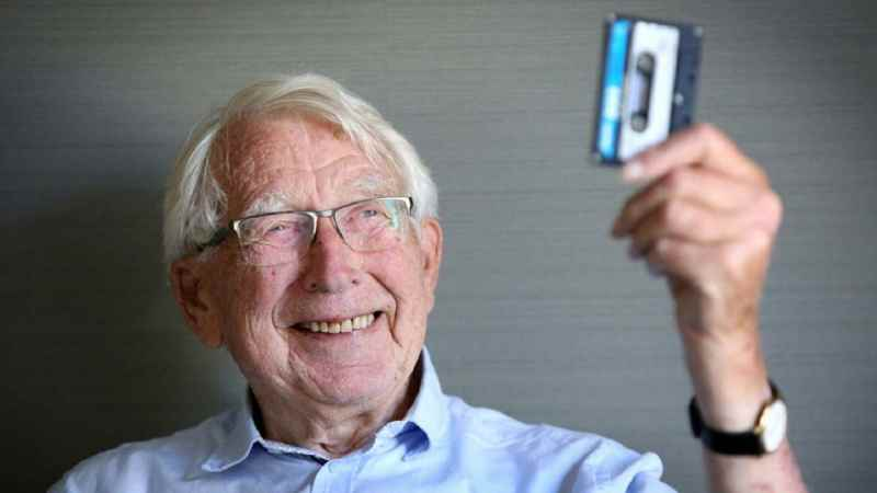 Lou Ottens The Inventor of the Cassette Tape Dies at 94 - Newslibre
