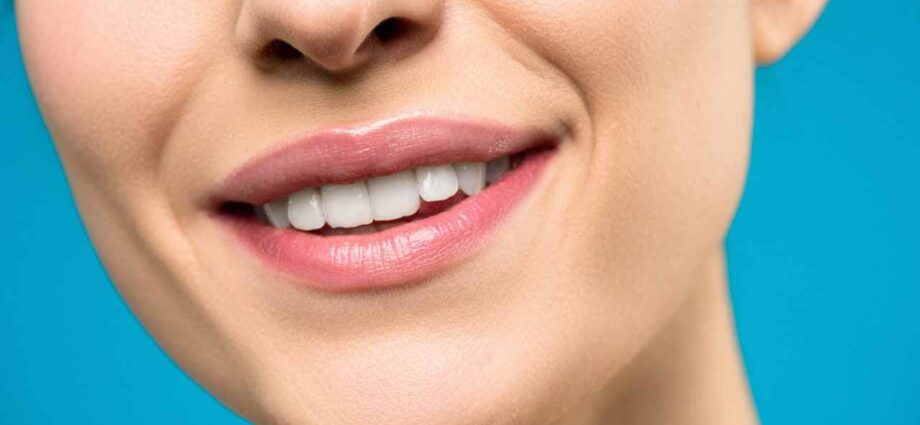 8 Bad Habits That Can Affect Your Oral Health - Newslibre