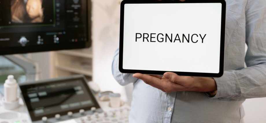Pregnancy Diet: What to Eat and What to Avoid - Newslibre