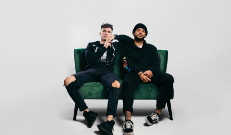 """: """"Shelter"""" Video by Pop Duo Band Chain of Islands Offers a Dreamy Nostalgic Feeling with R&B Infused - Newslibre"""