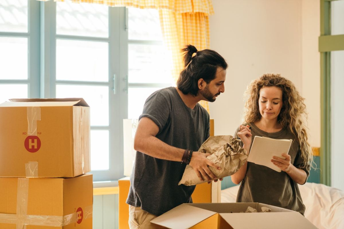 5 Simple Tips To Follow When Packing for Your First Move - Newslibre